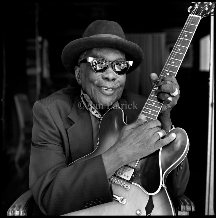 JOHN LEE HOOKER BLUES MAN