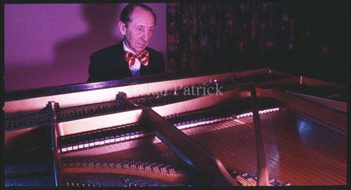 VLADIMIR HOROWITZ CONCERT PIANIST